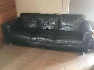 Leather Sofa Black in good condition Lewiston Mallala Area Preview