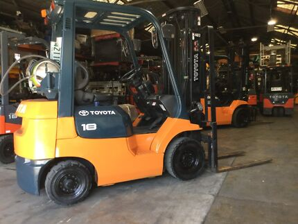 Toyota 7FG18 LPG 3 stage 4.7 mt container mast forklift