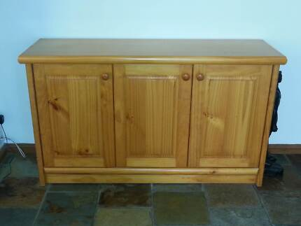 Solid pine buffet Barden Ridge Sutherland Area Preview