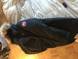 Canada goose woman long parka M $400