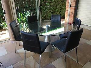 Dining table & chairs Kearneys Spring Toowoomba City Preview