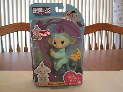 Wowwee Fingerlings Interactive Turquoise Baby Monkey Zoe  Bonus Stand  New