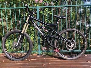 Mountain Bike - Santa Cruz Bullit 26inch;