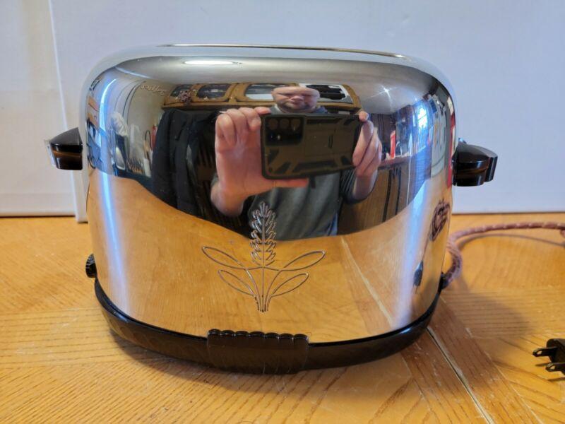 Westinghouse TO-521 Vintage Mid-Century Bakelite Toaster 2-Slice - Works Great