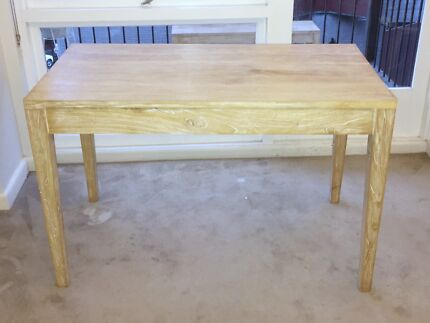 Medium white wash mango wood dining table