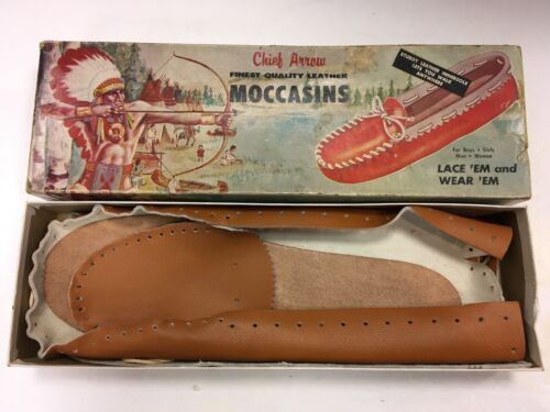 NEW IN BOX VINTAGE 1958 CHIEF ARROW LEATHER KIDS MOCCASINS KIT SIZE 10-11