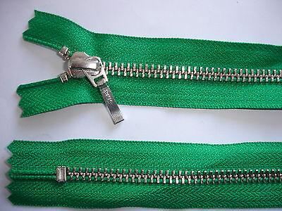 2 Stück Reißverschluß YKK grün 20cm lang, nicht teilbar Y102