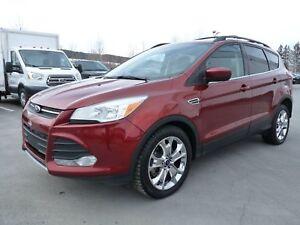 Ford Escape SE, Traction intégrale, Bluetooth, Toit panoramique