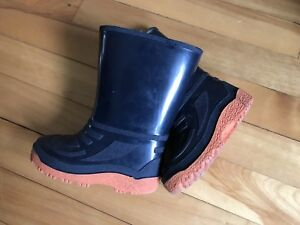 Rubber boots size 8 (toddler)