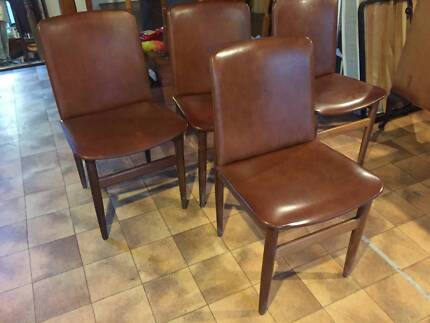 4 x RETRO PARKER/CHISWELL/EAMES ERA DINING CHAIRS