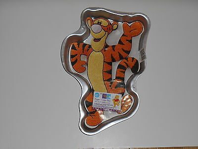 Wilton TIGGER Tiger Winnie The Pooh Bear Character Party CAKE PAN Mold 2105-3001