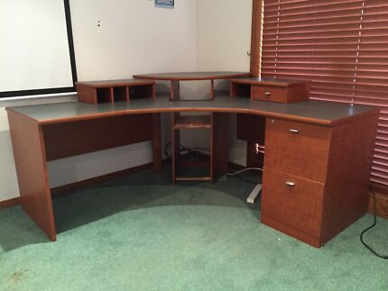 FREE DESK pick up only first in best dressed. Quakers hill Schofields Blacktown Area Preview