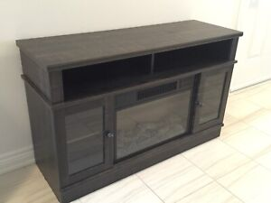 Electric Fireplace with remote control - pretty as new