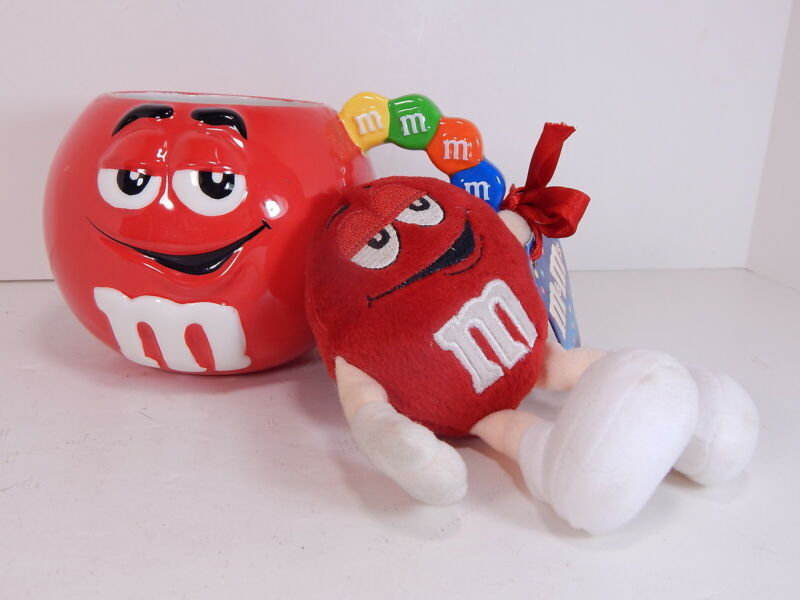 M&M RED CHARACTER MUG Cup Candy Handle Ceramic, 2001 RETIRED Mint w/ Tag & Toy