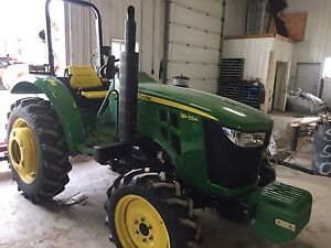 55 hp John deer tractor 3 point hitch and pto brand new
