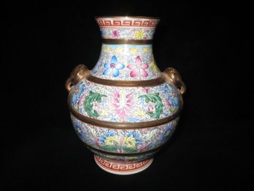 Very good old Qing Dynasty porcelain pot with two ears