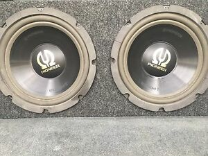 "2 12"" pioneer subwoofers and Sony xplod 500w amp 350$"