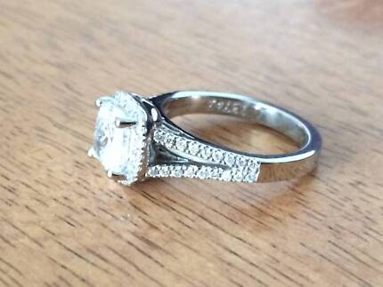 Sparkling 1.00 Carat Cushion Cut Diamond Engagement Ring Braddon North Canberra Preview