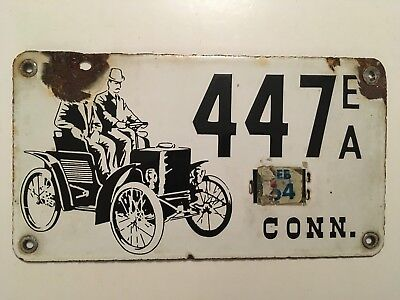 1950's Connecticut PORCELAIN Early American Antique License Plate All Original
