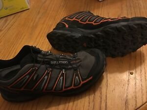 Men's Salomon Gore-Tex hiking shoes size 11.5