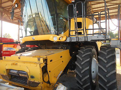 New Holland Cr9060 Combine Sn Y8g112085 1106 Separator Hours