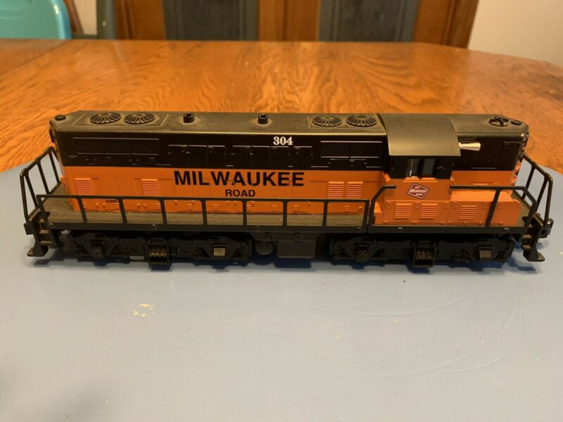 Lionel  Production American Flyer 48020 Milwaukee GP9