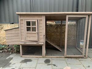 Rabbit/chook hutch