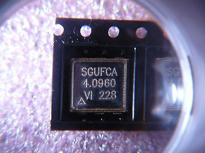 Vectron Sgufca-4m096 Vcxo Crystal Oscillator 5v 4.096mhz Cmos Ttl New Qty.2