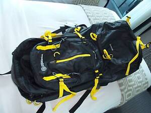 TRAVEL BACKPACK LARGE 80L WITH REMOVABLE DAYPACK NEW CONDITION Surfers Paradise Gold Coast City Preview