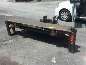 0 TAIL GATE HOLLAND 3000 LBS  MONTE CHARGE