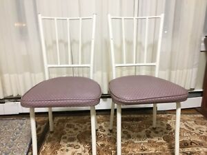 Two chairs 2 kg little bit clean