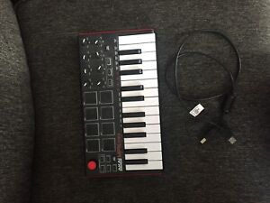 AKAI MPL mini keyboard