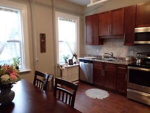 OUTSTANDING 3 BEDROOM WITH HIGH CEILINGS