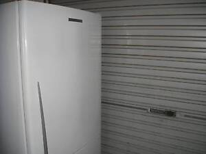 Fisher and paykel WHITE  fridge/freezer  520L Yokine Stirling Area Preview