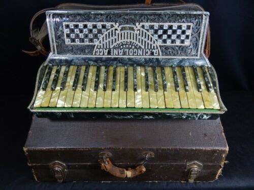 VINTAGE CINGOLANI ITALIAN ACCORDION FULL SIZE W/ CASE