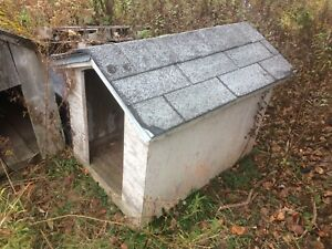 Medium Dog House [Price Drop]