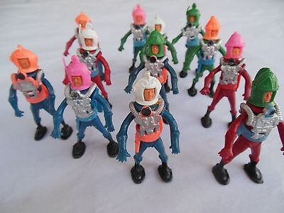 Plastic Hong Kong Spacemen 3-inch figures 1960s 12-figure lot Steampunk