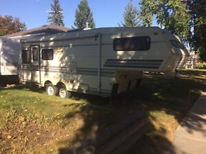 1989 Travelair 5th wheel