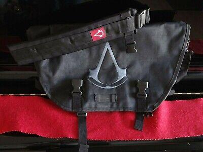 Crest Messenger (Assassins Creed - Origins Crest Logo Messenger Bag Black)