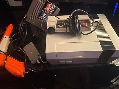 ORIGINAL - Nintendo Entertainment System Action Set Console - Gray