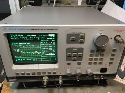 MOTOROLA R2600CNT COMMUNICATIONS SYSTEM ANALYZER 400 KHz to 1 GHz TEST EQUIPMENT