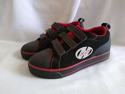 Heelys X2 Boys Skate Shoes 7738 Black Red Youth Size 2 Wheels Sneakers Stingray