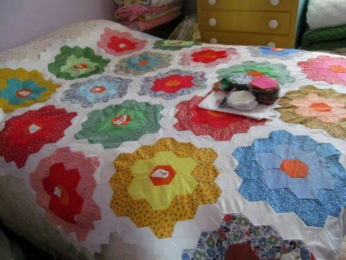 VTG Hand Stitched Grandmothers Flower Garden Quilt Top + Cut Hexies 68 x 74