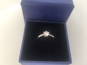 Swarovski ring Shellharbour Shellharbour Area Preview