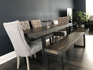 Brand new stunning expandable dining table