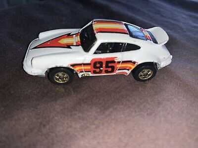 VTG Hot Wheels Porsche P-911 #95 1974 white gold blackwall stp pennzoil Mattel