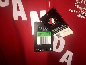 WOMENS TEAM CANADA NIKE NEW WITH TAGS 2 AVAILABLE