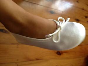 GIRLS BALLERINA SHOES - WHITE SATIN North Parramatta Parramatta Area Preview