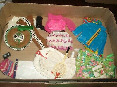 1 box lot 125 ACCESSORIES & CLOTHING Vintage Barbie Dresses
