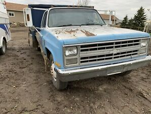 1989 Chevy one ton dually with 10 foot Deck